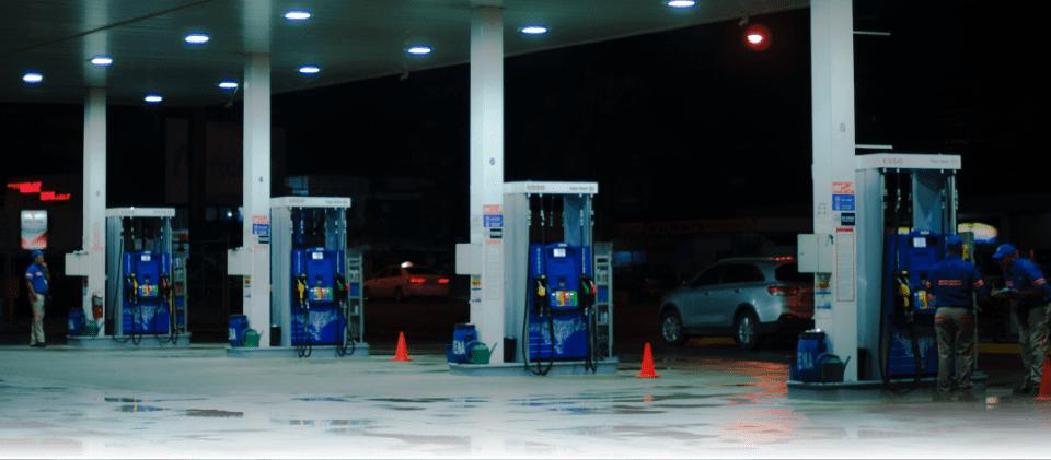como ahorrar gasolina mientras conduces
